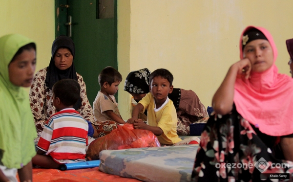 https: img.okezone.com content 2018 04 23 337 1890395 79-pengungsi-rohingya-terdampar-di-aceh-menkumham-ini-urusan-kemanusiaan-bdMBK1BPeJ.jpg