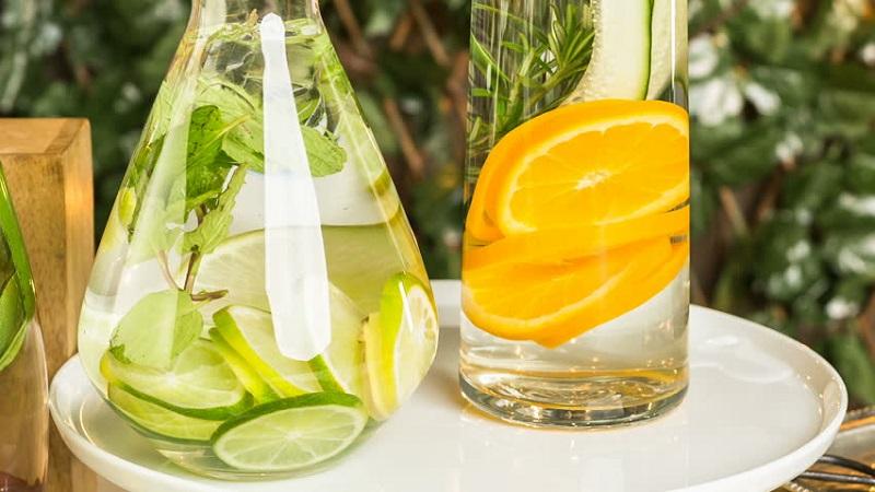 Terlalu Sering Minum Air Lemon Ini Efek Buruk Yang Mungkin Anda Alami Okezone Lifestyle