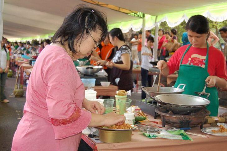 https: img.okezone.com content 2018 05 03 298 1894026 indonesia-tengah-kembangkan-destinasi-wisata-vegetarian-LzGocVxPtU.jpg