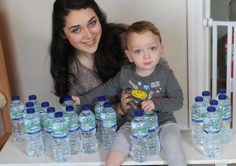 https: img.okezone.com content 2018 05 09 481 1896487 ketuban-pecah-perempuan-hamil-ini-minum-7-liter-air-putih-setiap-hari-demi-selamatkan-bayinya-MWB0Eqvqs7.jpg
