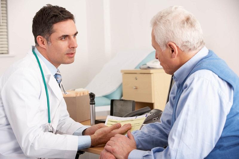 https: img.okezone.com content 2018 05 14 481 1898042 faktor-faktor-yang-dapat-meningkatkan-risiko-osteoporosis-pada-pria-xKKM0yVJSW.jpg