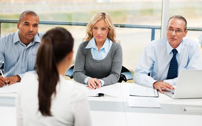 https: img.okezone.com content 2018 05 16 196 1899166 5-kesalahan-saat-wawancara-kerja-yang-bikin-kesempatanmu-melayang-AZrQuw3slN.jpg