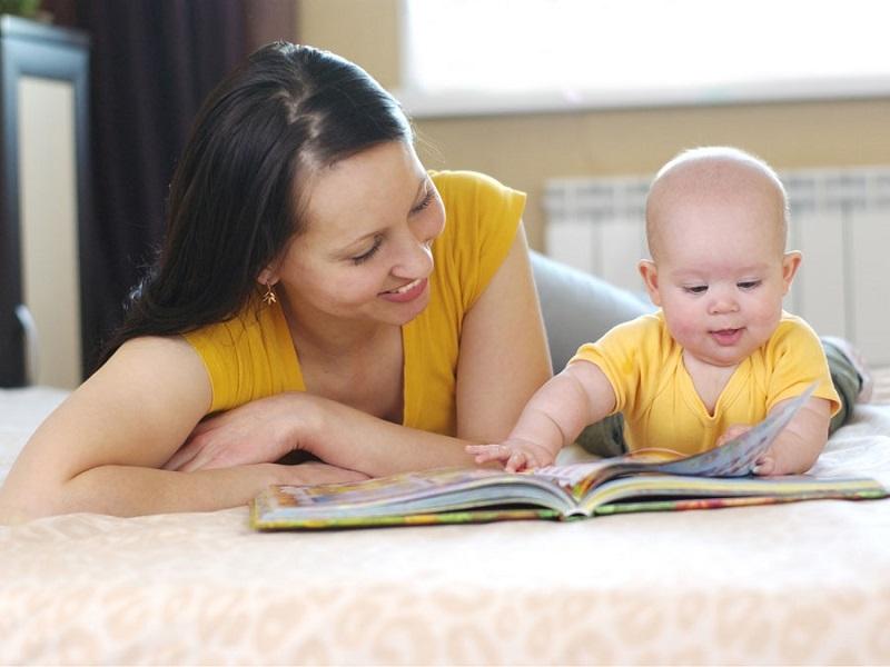 Kapan Sebaiknya Mulai Kenalkan Kebiasaan Membaca Buku pada Anak? : Okezone  Lifestyle