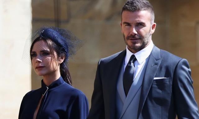 https: img.okezone.com content 2018 05 20 33 1900420 david-beckham-peluk-gadis-korban-bom-manchester-jadi-momen-berharga-di-royal-wedding-JdZ2mMX1io.jpg