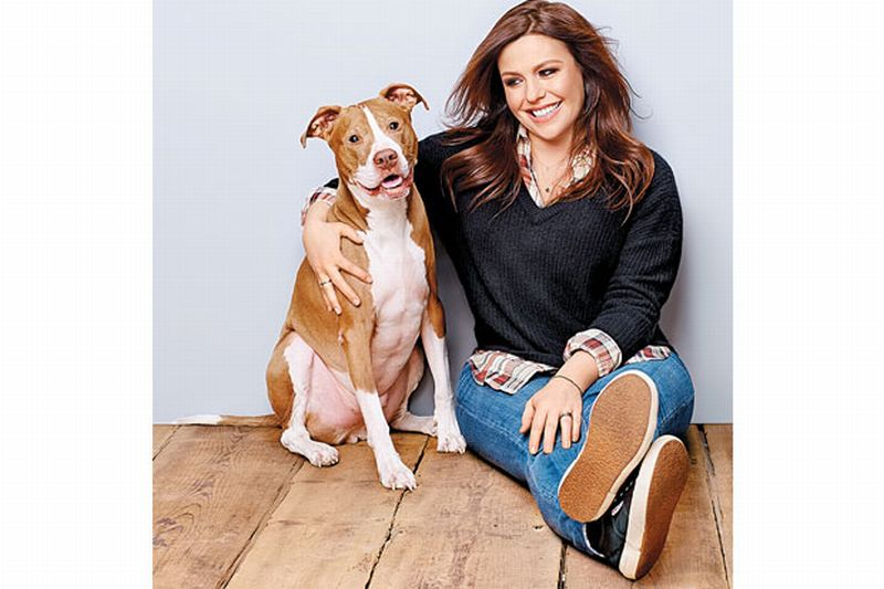 https: img.okezone.com content 2018 05 21 196 1900865 rachael-ray-keluarkan-rp1-miliar-untuk-anjing-kesayangan-kknxzX727u.jpg