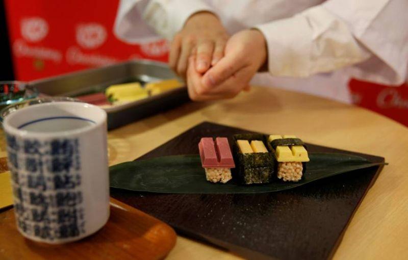 https: img.okezone.com content 2018 05 22 298 1901444 3-kesalahan-yang-harus-anda-hindari-saat-menyantap-sushi-JIgNyGnNbl.jpg