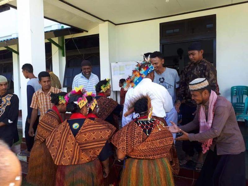 [Top rating] Gambar Mewarnai Pakaian Adat Papua