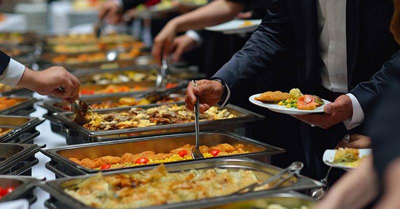 https: img.okezone.com content 2018 05 25 298 1902772 ini-sajian-buffet-iftar-mewah-di-restoran-hotel-terbaik-di-jakarta-ttwLgjXBlm.jpg