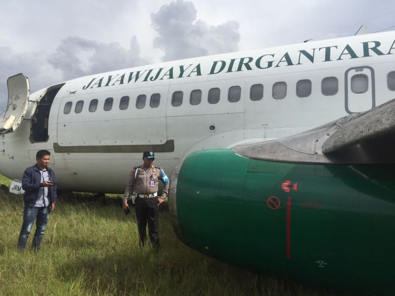 https: img.okezone.com content 2018 05 25 340 1902660 pesawat-kargo-jayawijaya-dirgantara-tergelincir-di-bandara-wamena-dN7WoGayYt.jpg