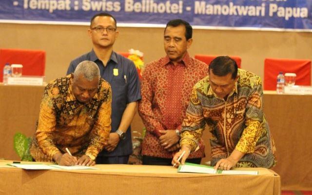 https: img.okezone.com content 2018 05 26 43 1902973 provinsi-papua-barat-juga-resmi-jadi-tuan-rumah-pon-2020-dampingi-provinsi-papua-bvB6zYnGCx.jpg