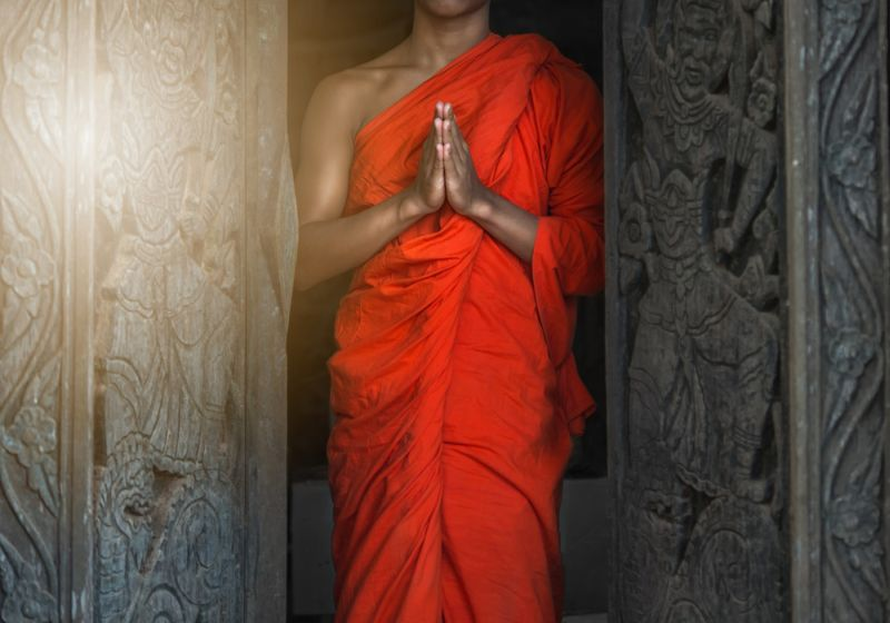https: img.okezone.com content 2018 05 29 196 1904113 4-tokoh-yang-ikuti-jalan-buddha-salah-satunya-sampai-bakar-diri-XDGc3twPvM.jpg