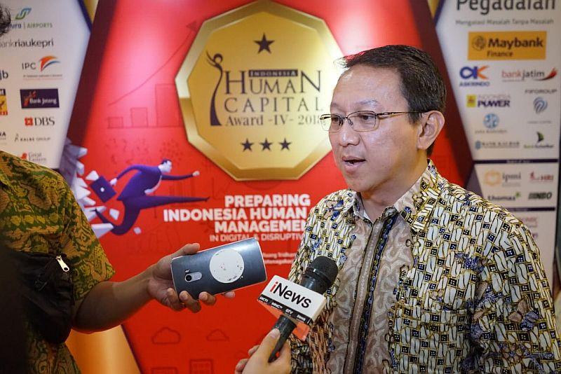 https: img.okezone.com content 2018 05 30 320 1904354 mnc-bank-raih-penghargaan-indonesia-human-capital-award-prcxu8NnND.jpg