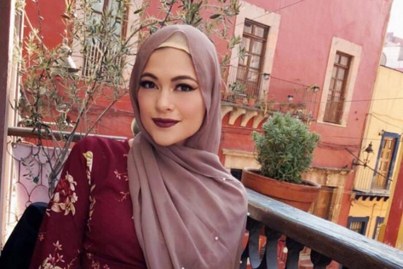 https: img.okezone.com content 2018 06 03 196 1905899 kisah-hijrah-perempuan-cantik-meksiko-alasannya-berhijab-penuh-perjuangan-P8wg6STwIT.jpg