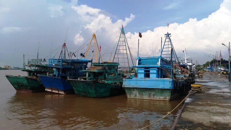 https: img.okezone.com content 2018 06 03 340 1905987 curi-ikan-di-perairan-indonesia-14-kapal-asal-vietnam-diamankan-zXpyyKbcu6.jpg