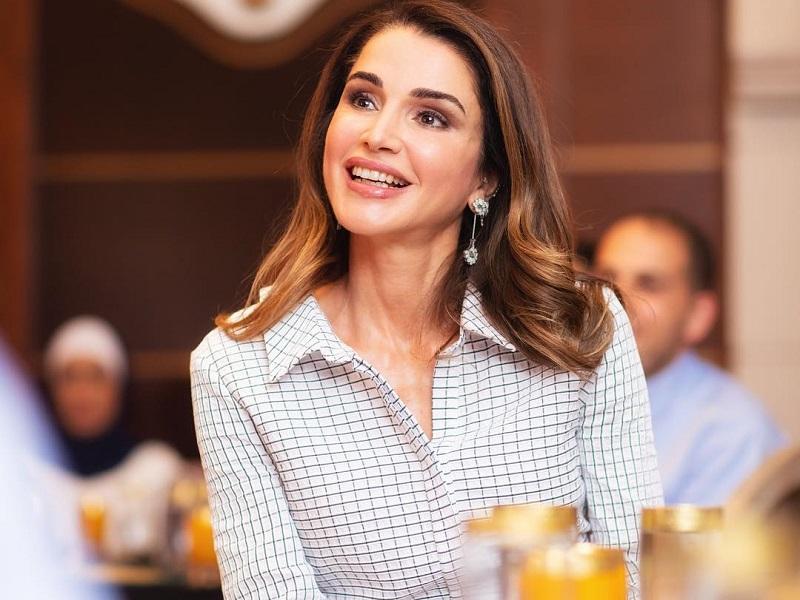 Gaya Busana Ratu Yordania Queen Rania saat Bukber, Bisa Ditiru Lho!