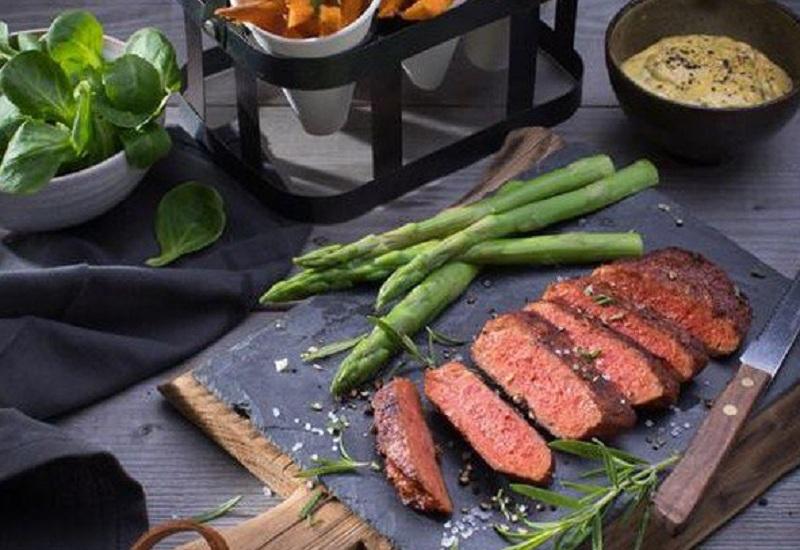 https: img.okezone.com content 2018 06 05 298 1907053 3-hidangan-vegan-yang-menipu-salah-satunya-bentuknya-mirip-daging-jhZrd6MoaL.jpg