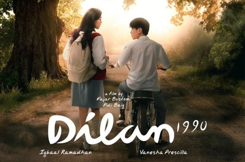 https: img.okezone.com content 2018 06 07 206 1907672 5-film-romantis-adaptasi-dari-novel-yang-bikin-kamu-baper-HAOhplCub2.jpg