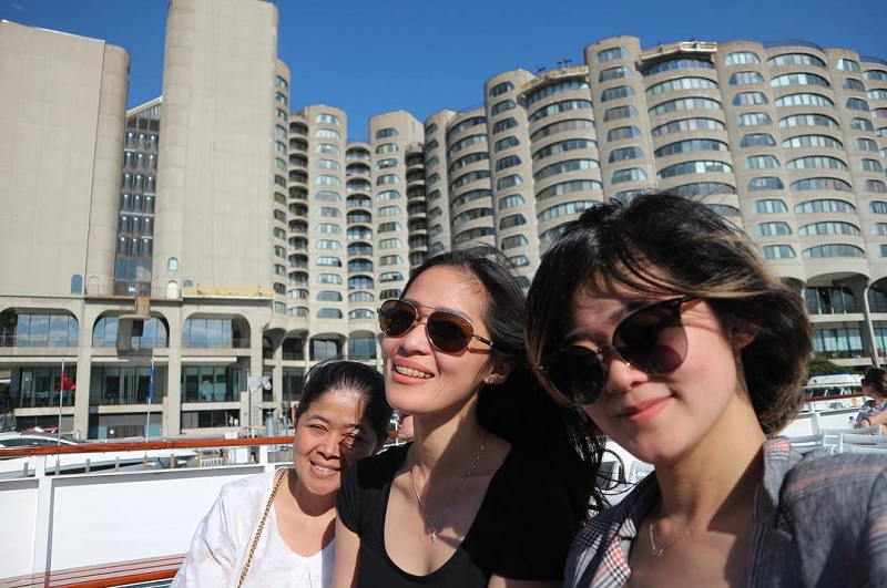 https: img.okezone.com content 2018 06 08 33 1908257 potret-kebahagiaan-foto-keluarga-ala-gracia-indri-di-kanada-CKAzOdrC4R.jpg