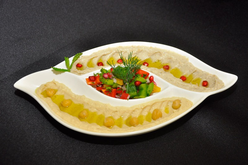 https: img.okezone.com content 2018 06 09 298 1908617 buka-puasa-dengan-salad-ala-lebanon-ini-menu-paling-favorit-dan-cek-resepnya-D8UZeFq1RX.jpg