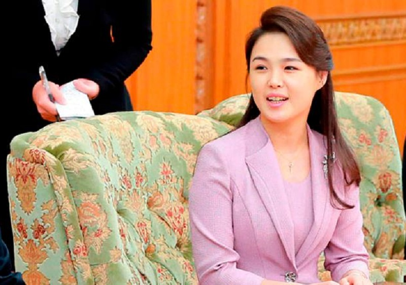 https: img.okezone.com content 2018 06 12 196 1909540 5-fakta-istri-kim-jong-un-ri-sol-ju-yang-dijuluki-wanita-misterius-29FjetO11A.jpg