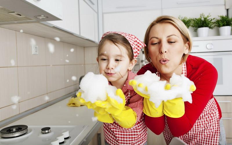https: img.okezone.com content 2018 06 16 196 1910953 mumpung-pembantu-mudik-yuk-ajari-anak-anda-bersih-bersih-rumah-JJRay5iUqq.jpg