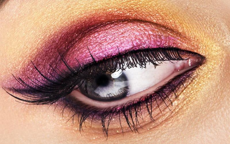 https: img.okezone.com content 2018 06 21 194 1912183 5-tips-mudah-gunakan-eyeliner-agar-cantik-sempurna-170DrDRCb1.jpg