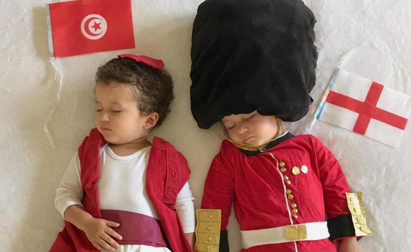 https: img.okezone.com content 2018 06 21 194 1912245 menggemaskan-bayi-kembar-ini-didandani-kostum-negara-yang-ikut-piala-dunia-8ngvxuwA7r.jpg