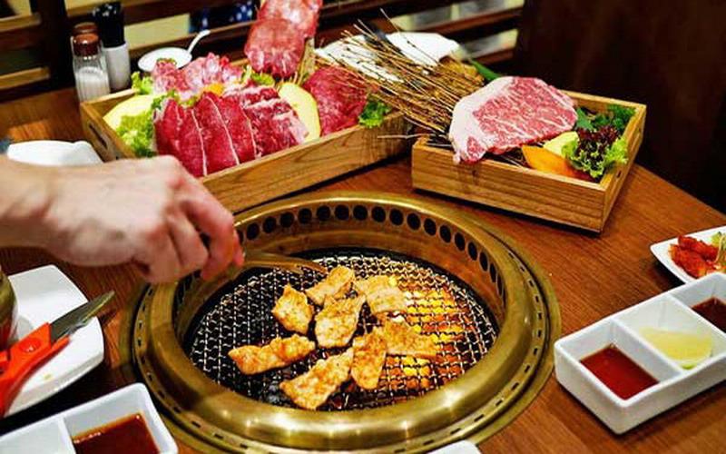 https: img.okezone.com content 2018 06 21 196 1912222 buat-promo-all-you-can-eat-restoran-ini-langsung-bangkrut-dalam-2-minggu-4vdfPK9kDE.jpg