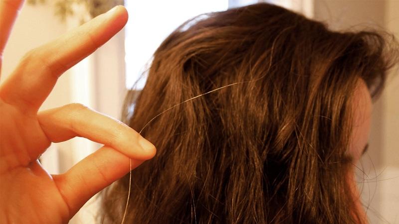 https: img.okezone.com content 2018 06 21 481 1912112 rambutmu-sudah-mulai-beruban-coba-cegah-dengan-10-langkah-ini-VdeZeNXEG9.jpg