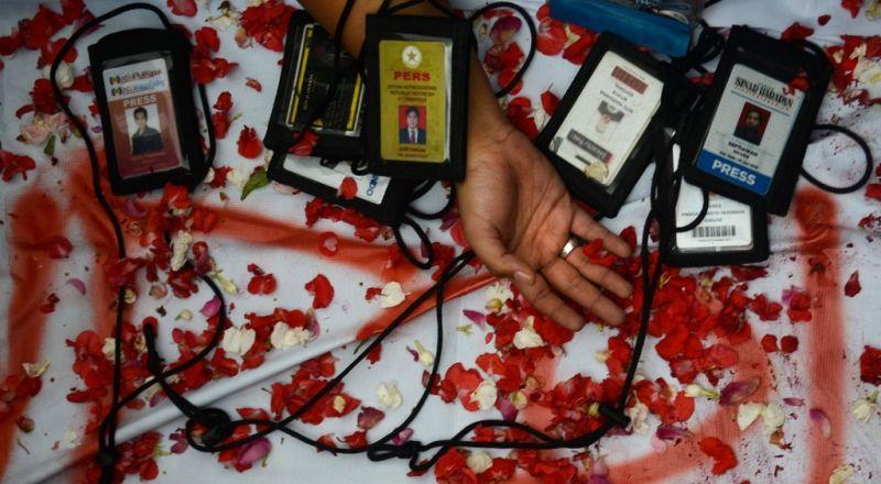 https: img.okezone.com content 2018 06 22 340 1912671 selidiki-kematian-wartawan-di-kotabaru-pwi-bentuk-tim-pencari-fakta-Mwv5Exn2af.jpg