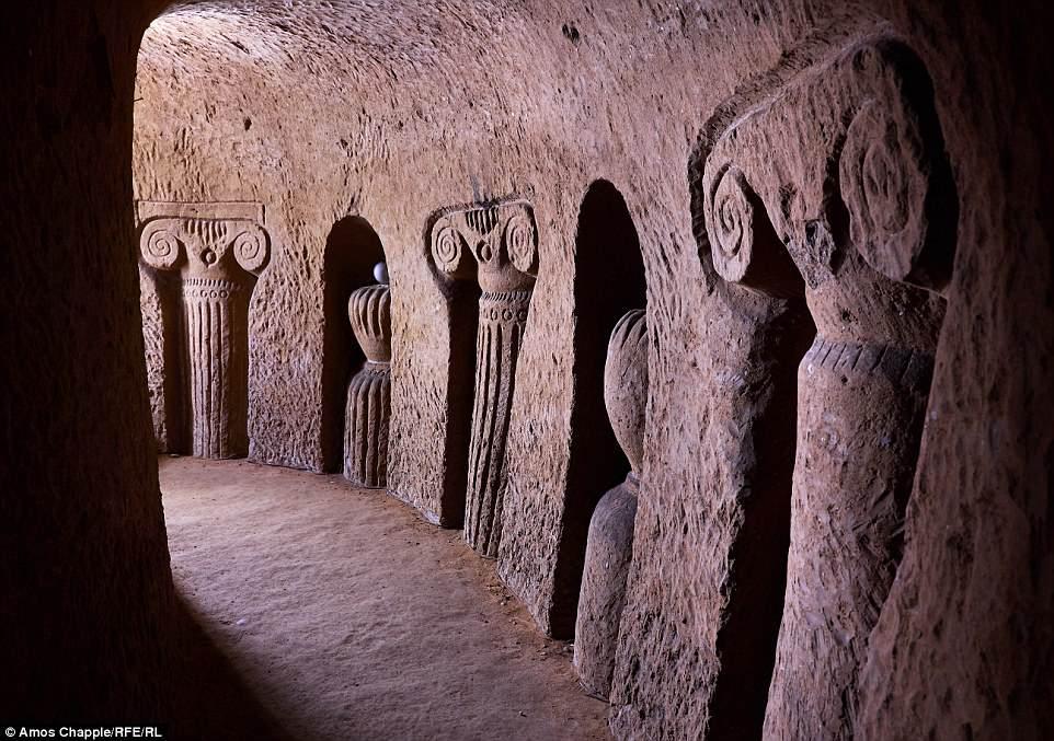 https: img.okezone.com content 2018 06 23 196 1913050 pria-ini-habiskan-23-tahun-gali-gua-bawah-tanah-hanya-menggunakan-palu-EvjYCVXUrA.jpg