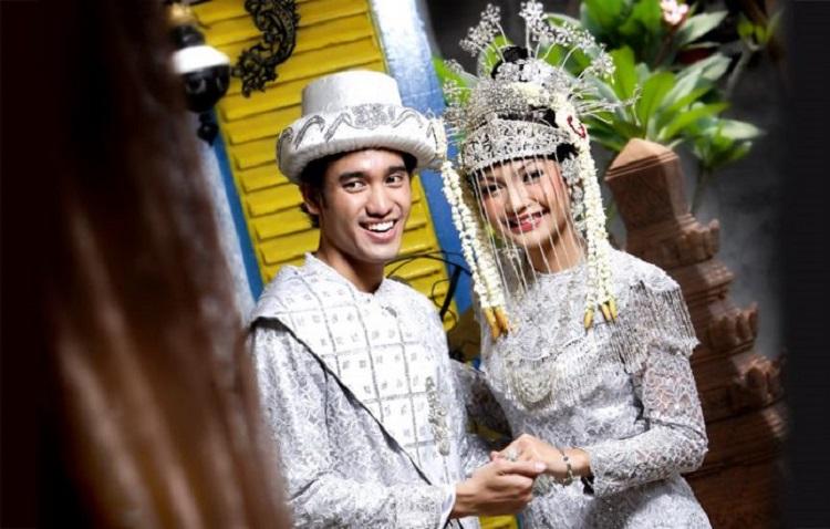 Keunikan Tradisi Di Pernikahan Betawi Mulai Dari Palang Pintu