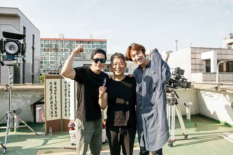 https: img.okezone.com content 2018 06 25 206 1913772 lee-kwang-soo-kalahkan-chris-pratt-di-box-office-korea-dNHy8YO7dD.jpg