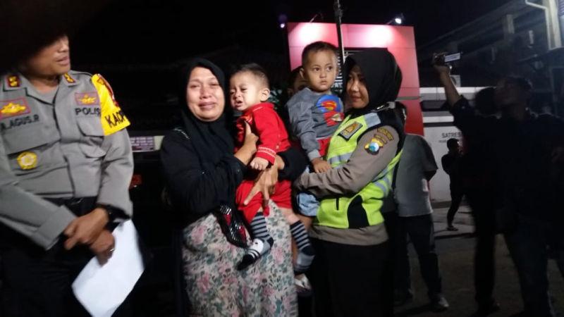 https: img.okezone.com content 2018 06 27 519 1914585 wanita-ini-nekat-menculik-balita-karena-ingin-punya-anak-0YQrXIXOAm.jpg