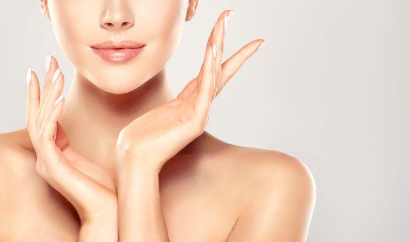 manfaat minyak atsiri kayu putih = bermanfaat untuk kulit