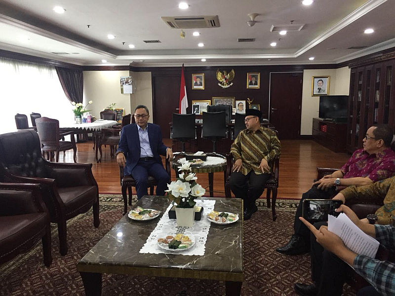https: img.okezone.com content 2018 06 29 337 1915645 sudirman-said-temui-ketua-mpr-ada-apa-hcDDVRfBRj.jpg