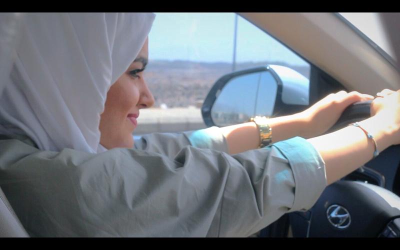 Rayakan Izin Mengemudi, Ini yang Dilakukan Perempuan Arab Saudi di Jalanan
