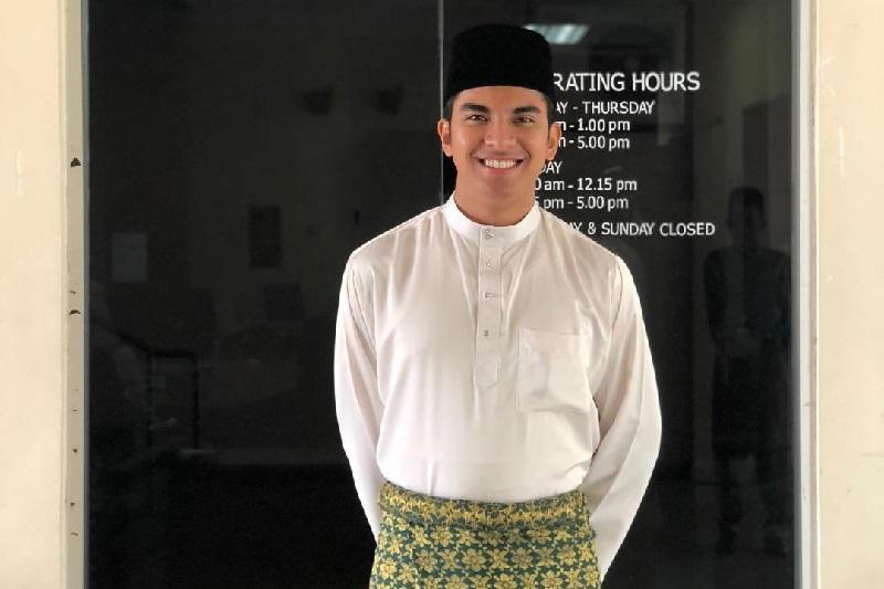 https: img.okezone.com content 2018 07 04 481 1917842 menteri-termuda-malaysia-syed-saddiq-dorong-masyarakat-lakukan-gaya-hidup-sehat-vk8QDEoosc.jpg