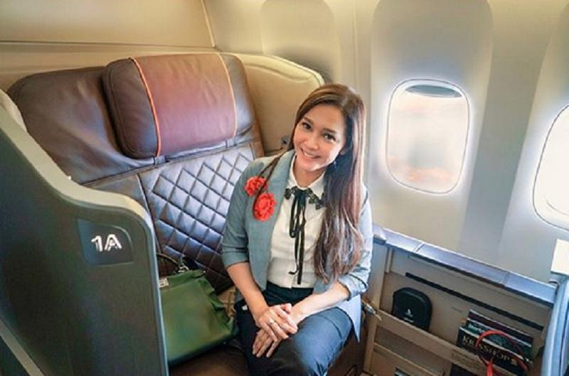 https: img.okezone.com content 2018 07 06 196 1918915 gaya-cantik-selebriti-indonesia-terbang-dengan-kelas-first-class-2rK64oQwMU.jpg