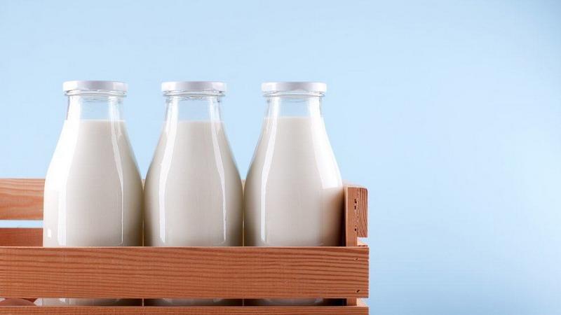 https: img.okezone.com content 2018 07 06 481 1918807 asal-bukan-susu-kental-manis-ini-7-manfaat-susu-untuk-pertumbuhan-RWHWvZaink.jpg