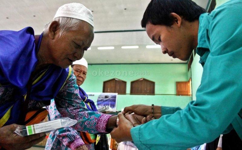 Kemenkes Pastikan Gelang Penanda Jamaah Haji Risti Hanya Satu Warna
