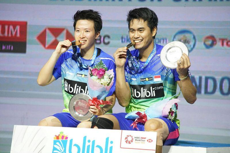 https: img.okezone.com content 2018 07 08 40 1919591 tontowi-liliyana-juarai-indonesia-open-2018-usai-kandaskan-perjuangan-wakil-malaysia-lLpm9OdJmG.jpeg
