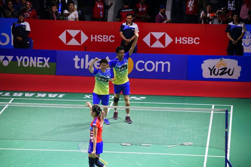 https: img.okezone.com content 2018 07 08 40 1919612 tontowi-liliyana-lega-bungkam-keangkeran-istora-usai-juara-indonesia-open-2018-IDWobUJvm0.jpeg