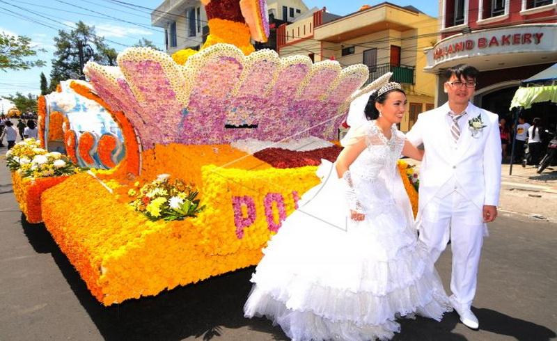 https: img.okezone.com content 2018 07 09 406 1920033 bangsawan-eropa-bakal-semarakkan-tomohon-international-flower-festival-2018-dNkTkhk1AZ.jpg