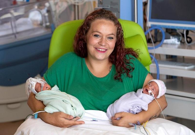 Pecahkan Rekor Ibu Ini Lahirkan Bayi Kembar Dengan Jeda 12 Hari