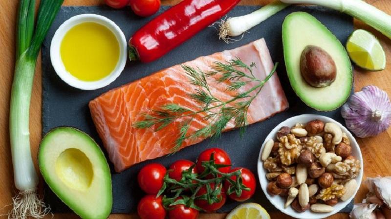 https: img.okezone.com content 2018 07 13 481 1921924 panduan-jalani-diet-paleo-makanan-yang-harus-dikonsumsi-dan-dihindari-G3TxwgaqLi.jpg