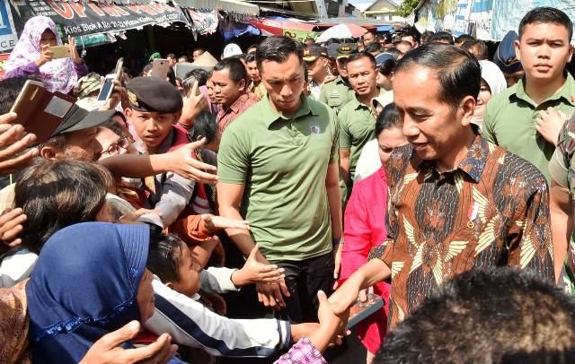Warga Klaten Kaget Jokowi Blusukan ke Pasar Gede Klaten : Okezone News