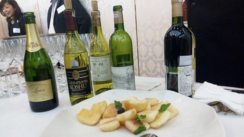 https: img.okezone.com content 2018 07 16 298 1923097 icip-icip-manisnya-anggur-jadi-tofu-dessert-dan-wine-putih-dari-prefektur-yamanashi-cmYWmtsY0W.jpg