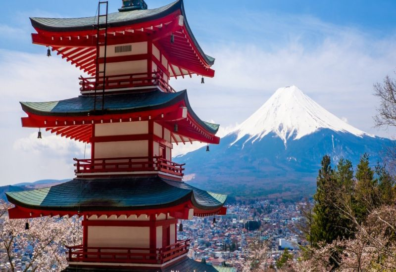 https: img.okezone.com content 2018 07 16 406 1922994 dijamin-berlibur-di-kota-yamanashi-wisatawan-muslim-tidak-akan-sulit-temukan-musala-sNGRLLxQyn.jpg