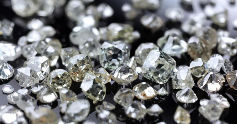 https: img.okezone.com content 2018 07 17 56 1923690 ilmuwan-temukan-timbunan-berlian-dengan-nilai-fantastis-Ayux8qpGgu.jpg